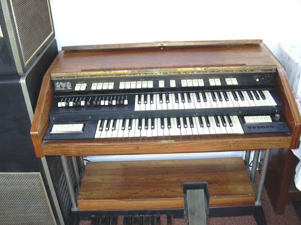 stan curtis engineer my hammond ttr 100 portable organ. Black Bedroom Furniture Sets. Home Design Ideas